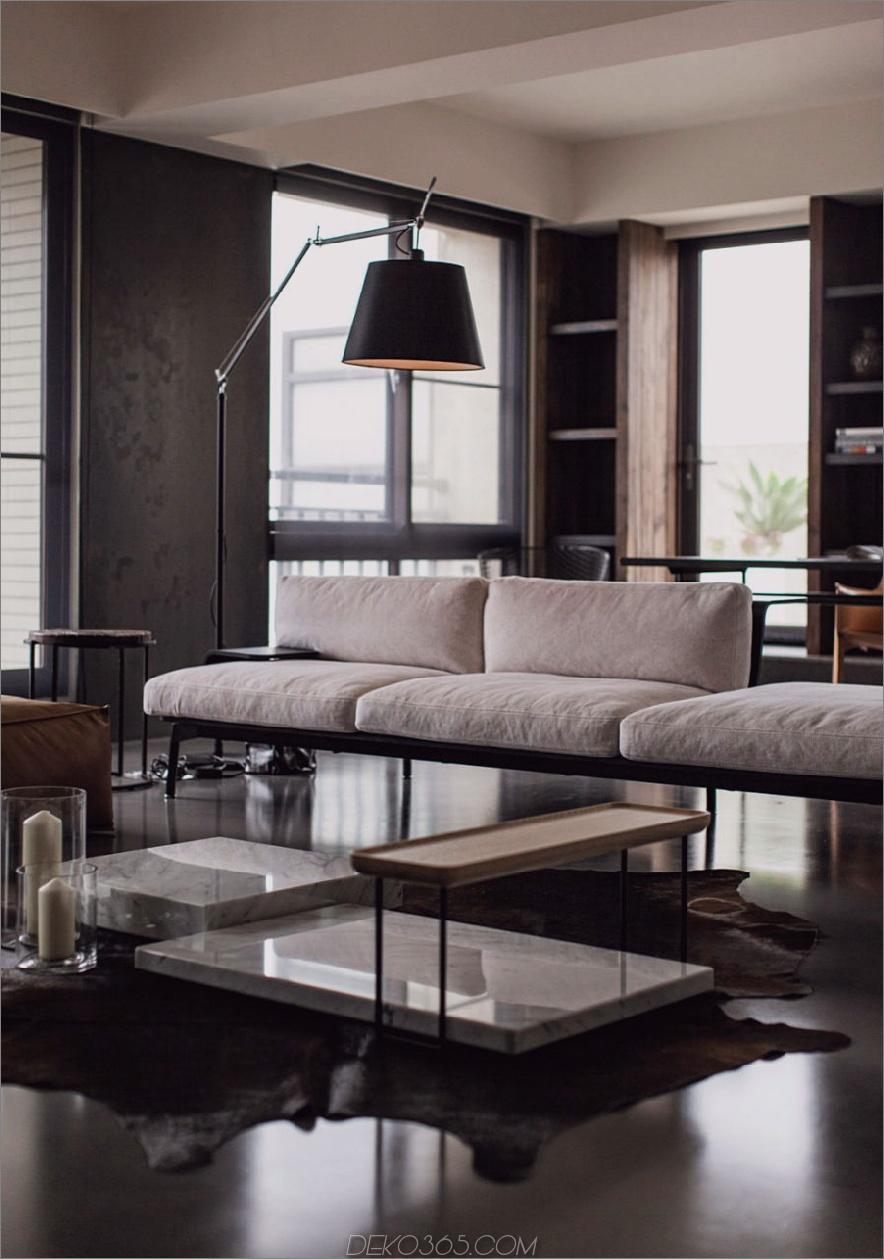 Die Anordnung der Wohnzimmermöbel ist ziemlich ungewöhnlich