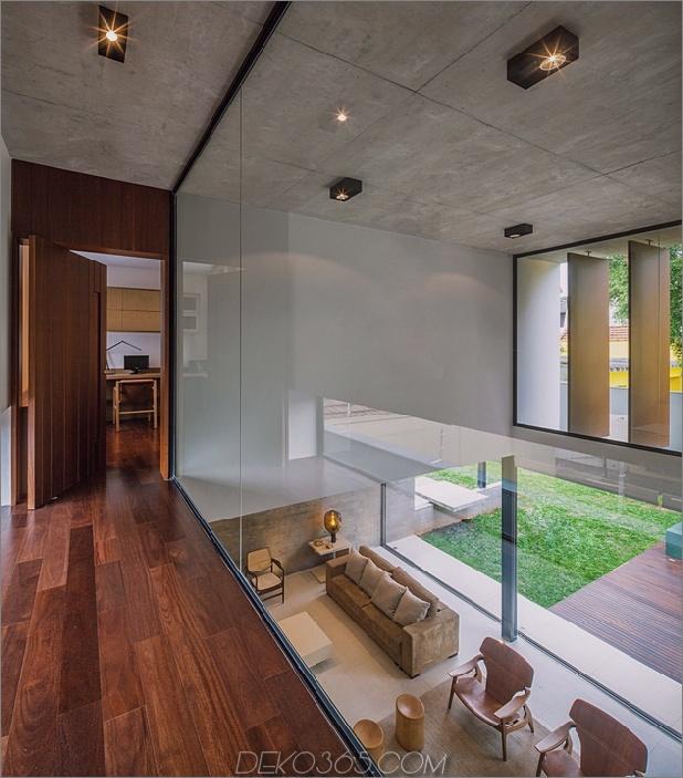 dual-direction-beton-hause-umgebungen-am poolhof-brasilien-9-glass-mezzanine.jpg