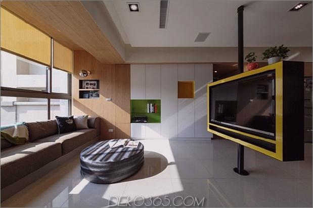 Schwenkbarer Fernseher verwandelt verspielte Wohnung in Unterhaltungsbereich 1 thumb 630xauto 41694 Schwenkbarer Fernseher verwandelt spielerische Wohnung in Unterhaltungsbereich