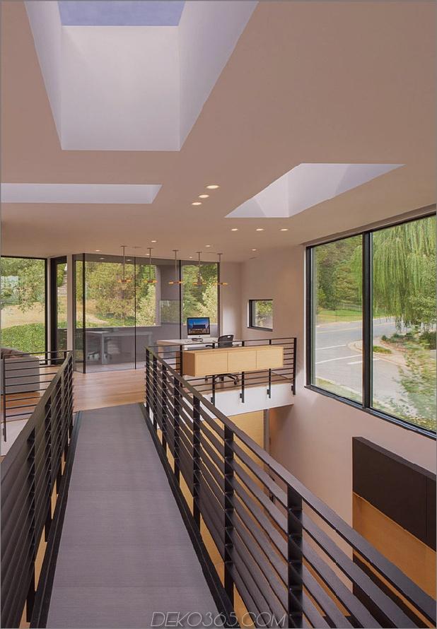Dreieck-Haus-mit-Brücke-zu-Büro-Loft-Overhead-8.jpg