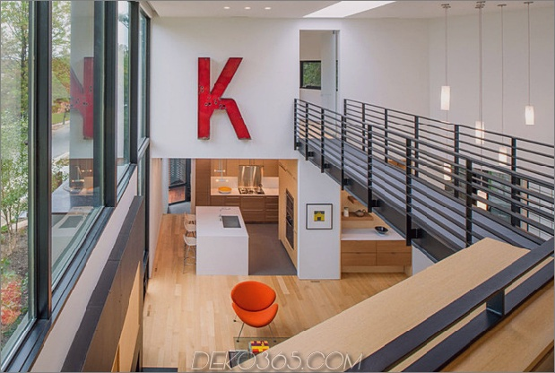 Dreieck-Haus-mit-Brücke-zu-Büro-Dachboden-Overhead-9.jpg