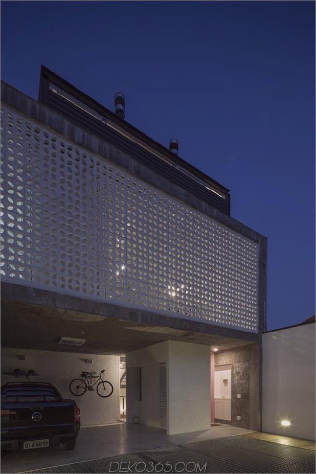 Brasilianisch-Beton-Haus-gebaut-rund-dreistöckiger Hof-Baum-3-Garage-Fassade-Muster.jpg