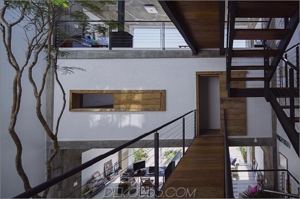 Brasilianisch-Beton-Haus-gebaut-rund-dreistöckiger Hof-Baum-6-Second-Level-Brücke.jpg
