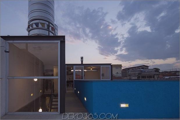 Brasilianisch-Beton-Haus-gebaut-rund-dreistöckigen Hof-Baum-21-Top-Deck-Treppen.jpg