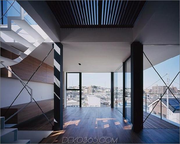 dreistöckiges tokyo-haus-mit-panoramablick auf die stadt-9-treppe-glass-day.jpg