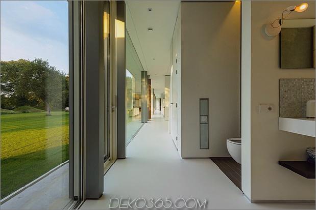 Beton-Haus-Wände-Glas-Privat-Weide-13-toilet.jpg
