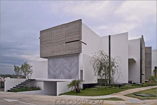 Eckgrundstück Haus mit anspruchsvollen Fassaden 1 thumb 630xauto 38795 Eckgrundstück Haus mit anspruchsvollen Fassaden