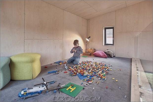 Winkel-Haus-Zusatz-mit Sperrholz ausgekleidet-Interieur-13-play-area.jpg