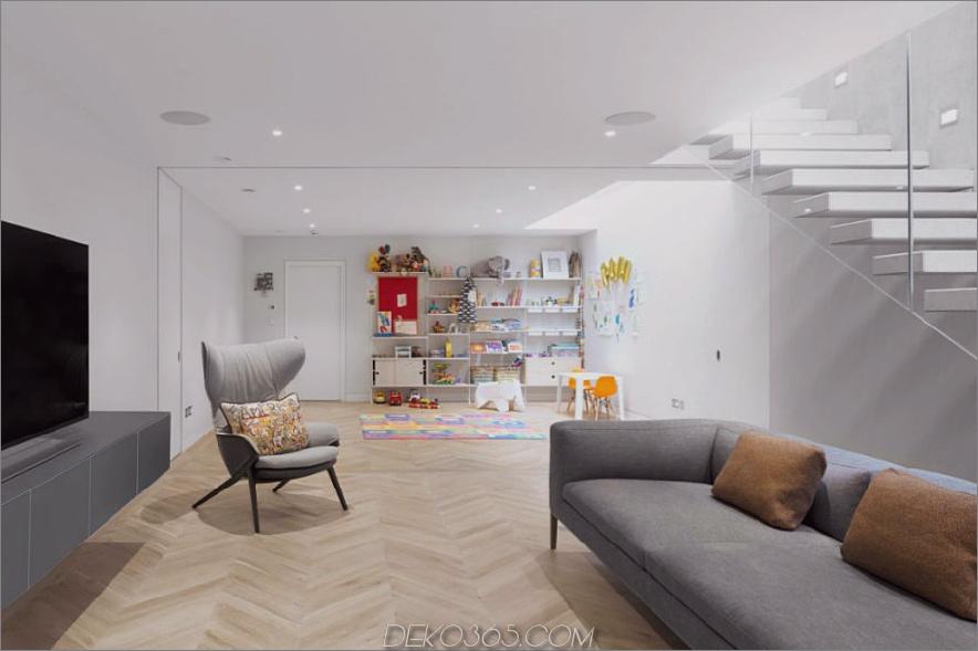 Wohnzimmer mit angrenzendem Spielbereich