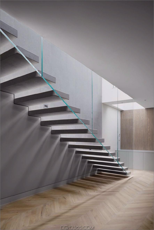 Treppengeländer lassen den Raum offen und luftig