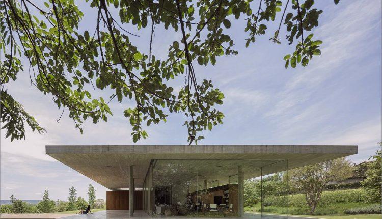Ein Story House zwischen zwei Betonplatten_5c590c3828889.jpg