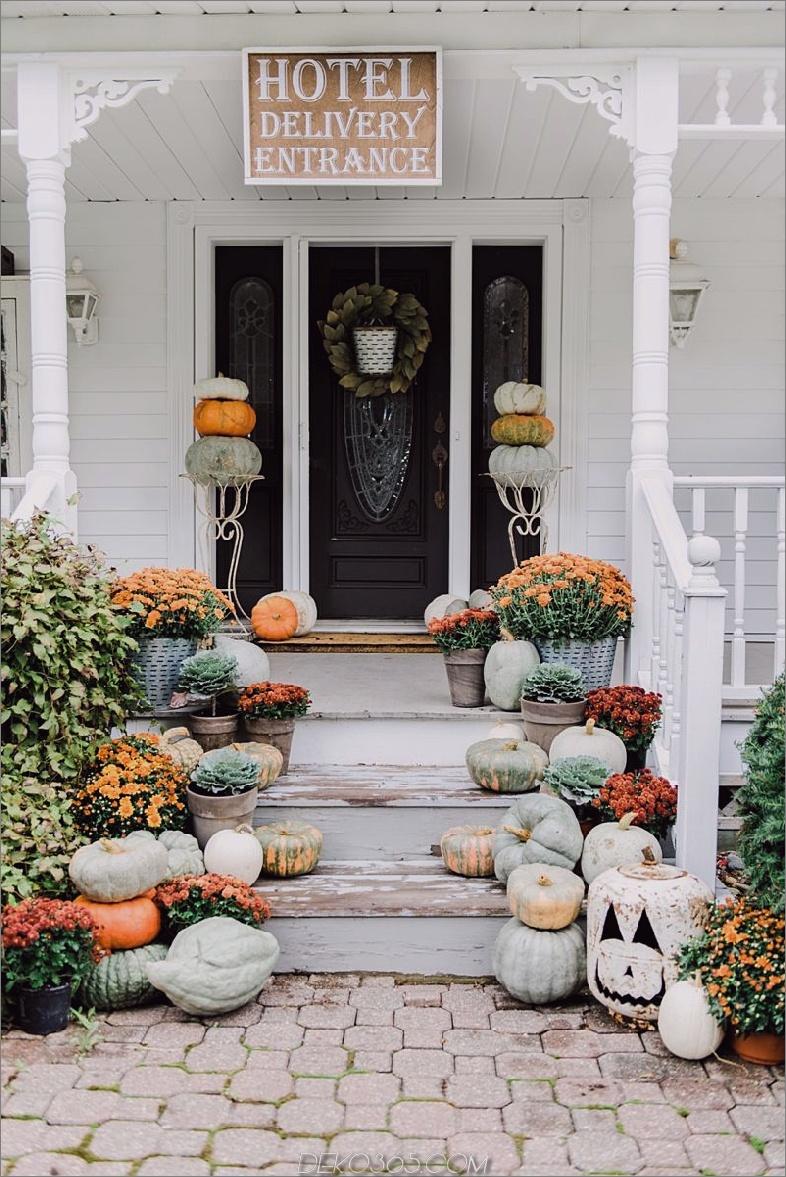rustikale Halloween-Veranda Einzigartige Möglichkeiten, eine gruselige Wendung auf Ihre vordere Veranda zu bringen