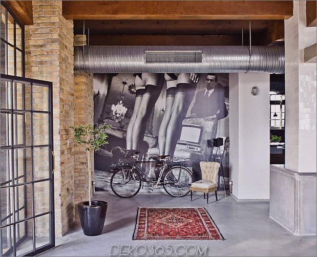 eklektisch-loft-wohnung-budapest-shay-sabag-3-mural.jpg