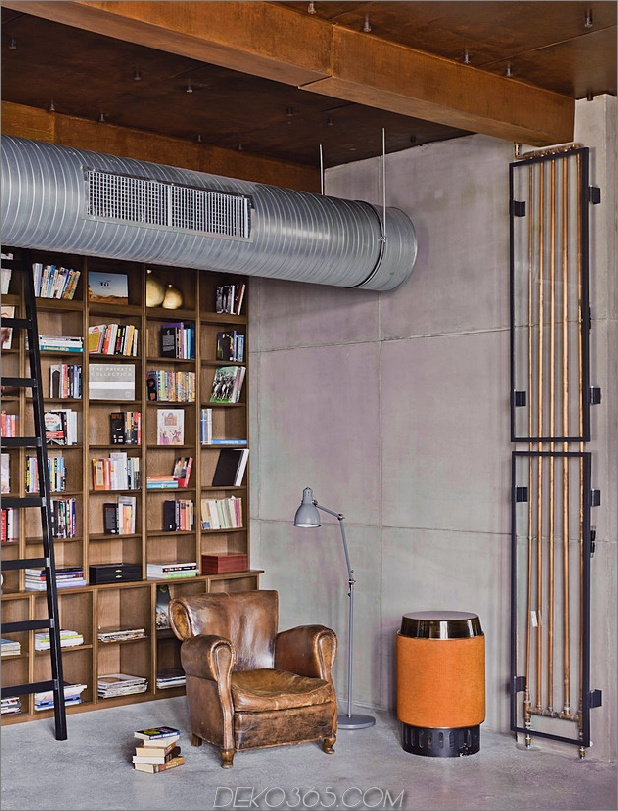 eklektisch-loft-wohnung-budapest-shay-sabag-7-Bookshelf.jpg