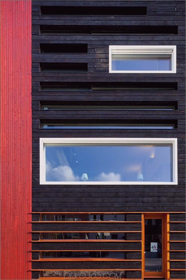 energieneutrales Reihenhaus-shou-sugi-ban-5-windows.jpg