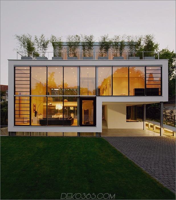 Energieoptimiertes Haus mit Dachterrasse Lamellenfenster Außenfenster zersplittert und Aufzug 1 thumb autox713 34369 Energieoptimiertes Haus mit Dachterrasse, Lamellenfenster, Außenfensterläden und Aufzug