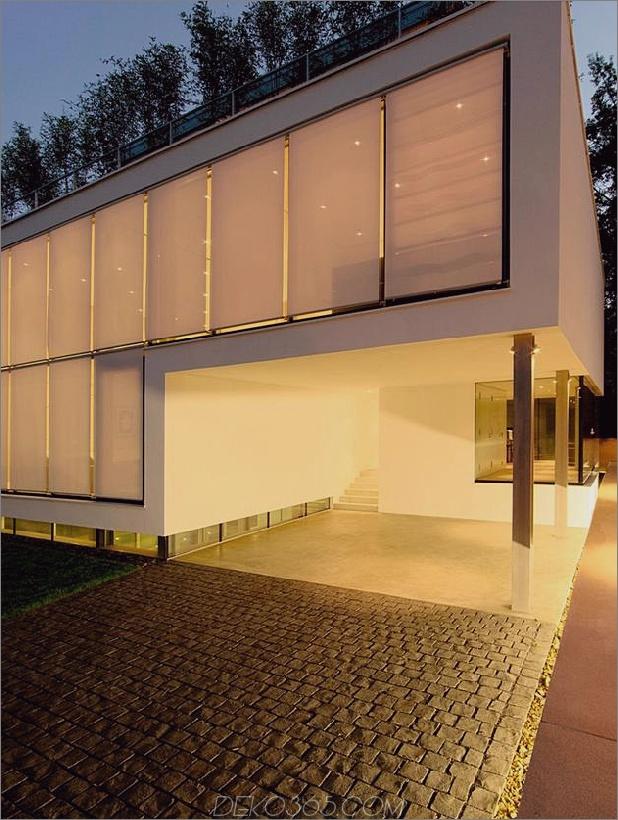 energieoptimiertes haus-mit-dach-terrasse-jalousie-fenster-außen-fensterläden-aufzug-25.jpg