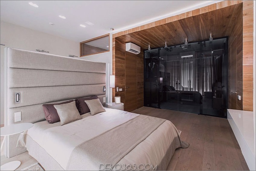 Erkunden Sie ein zeitgenössisches russisches Apartment mit glatten Linien_5c58e300796b3.jpg
