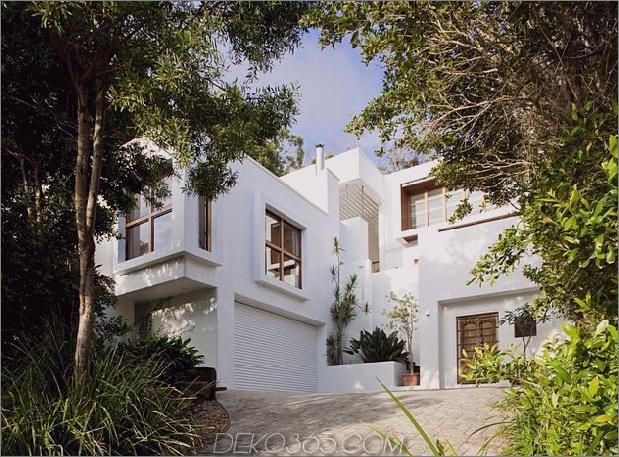 erstaunlich neu erfundenes australisches Haus bietet einen aufragenden Innenhof im Freien 1 Ansicht der Auffahrt Daumen 630x465 19553 Atemberaubend neu erfundene australische Hausmerkmale: Aufragender Innenhof im Innenhof