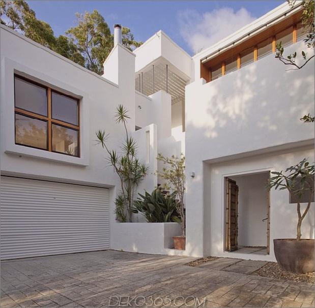 atemberaubend neu erfundenes australisches haus verfügt über einen hoch aufragenden Innenhof im Innenhof 2 vorderer eingang daumen 630x617 19555 Atemberaubend neu erfundenes australisches haus verfügt über einen hoch aufragenden Innenhof im Innenhof