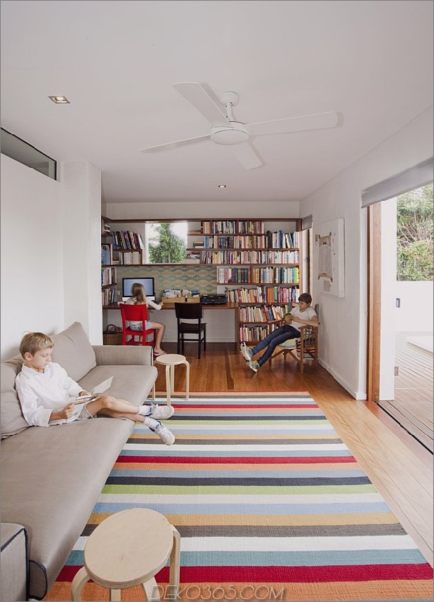 atemberaubend neu erfundene-australische-home-features-turm-innen-außen-hof-13-second-living-room.jpg