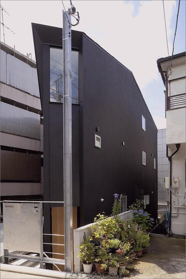 japanisch-oh-house-wows-with-schmale-footprint-open-interiors-3.jpg