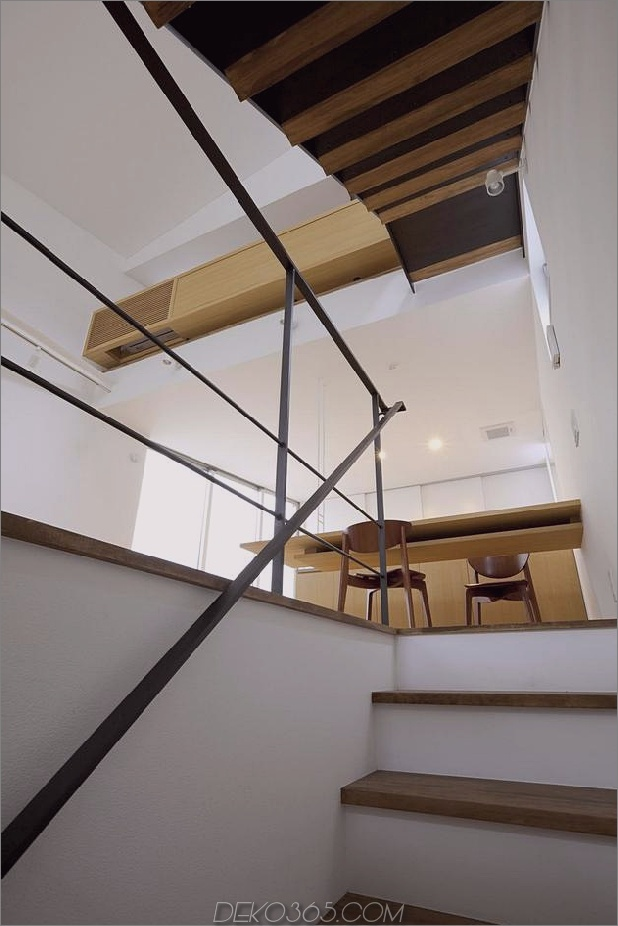 japanisch-oh-house-wows-with-schmale-footprint-open-interiors-7.jpg