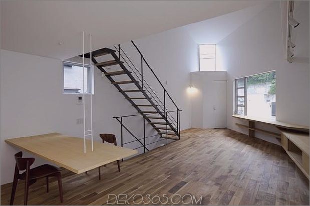 japanisch-oh-house-wows-with-schmale-footprint-open-interiors-11.jpg