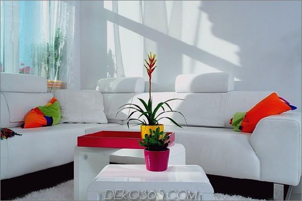 Farbdekorationsideen für ein Traumapartment in Budapest-3-couch.jpg