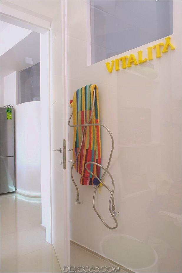 Farbdekorationsideen-for-a-dream-apartment-in budapest-11-towel-rack.jpg