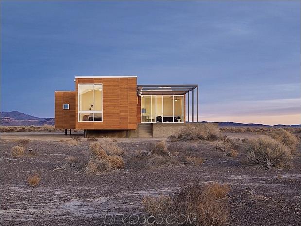 isoliert-wüste-ferienhaus-mit-einziehbares deck-cover-4-bedroom-deck.jpg