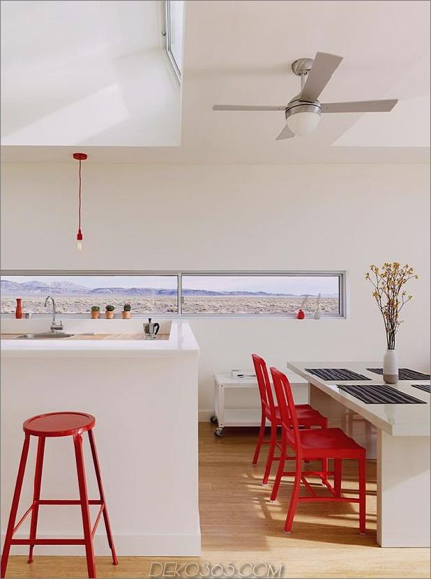 isoliert-wüste-ferienhaus-mit-einziehbares deck-cover-8-kitchen.jpg