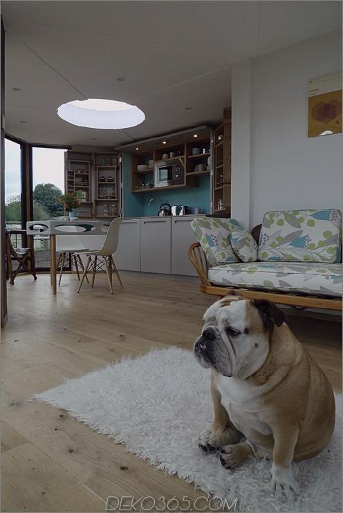 flat-pack-hivehaus-transforms-hexagonal-modular-homes-8-living.jpg