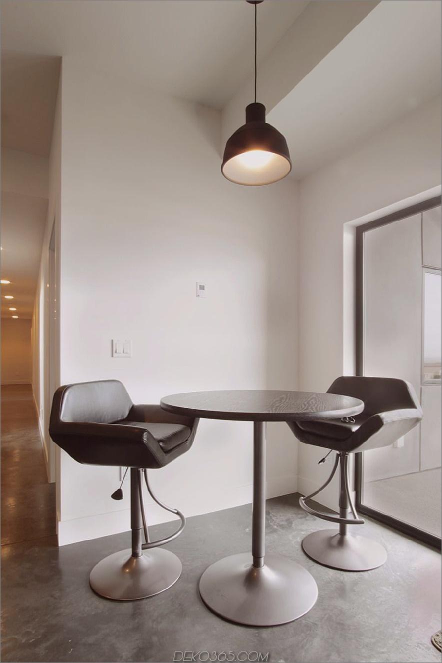 Einfacher Frühstücksraum