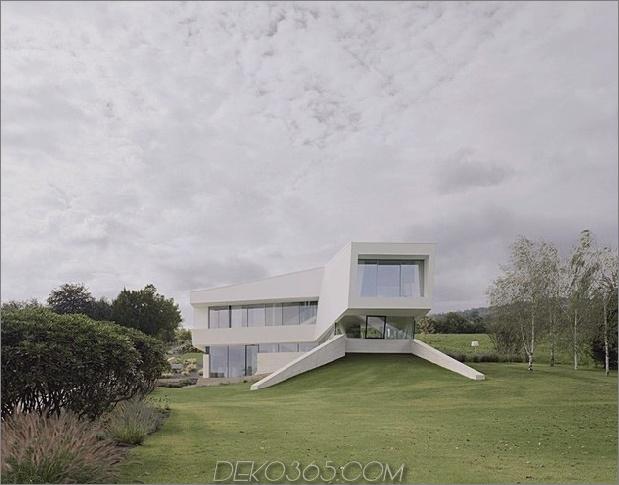 futuristisch-zu-hause-mit-facettenreicher-form-und-minimalist-aesthetic-3.jpg