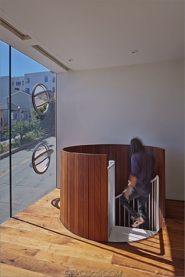 Garage-Oberdeck-verbindet-Glas-Home-Steigung-21-Rundtreppe.jpg