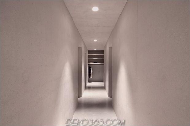 bergferienvilla-italien-gebaut-local-dolomite-wood-17-14-hallway.jpg