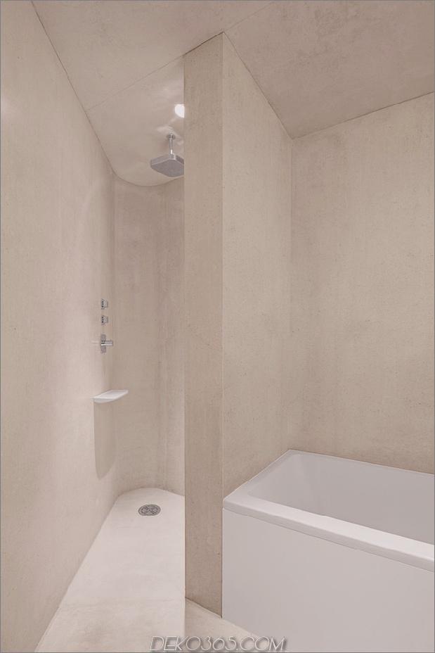 bergferienvilla-italien-gebaut-local-dolomite-wood-17-16-bathroom.jpg