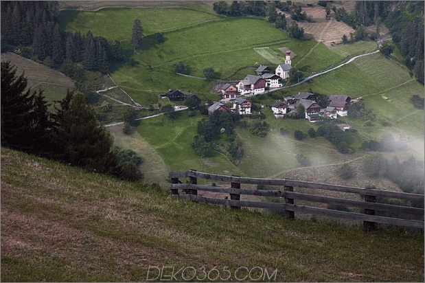 berg-ferienvilla-italien-gebaut-local-dolomite-wood-17-site.jpg