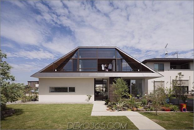 japanisches haus mit geschliffenem glasdach 2 thumb 630xauto 34009 Hipped Glass Roof House