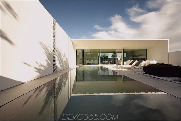 ruhiges weißes Haus mit ummauertem Außenbereich 2 Pool Tag weit thumb 630xauto 38375 Gelassenes weißes Haus mit ummauertem Außenbereich