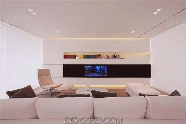 heiter-weißes-haus-mit-ummauerte-outdoor-space-12-wohnzimmer-straight.jpg