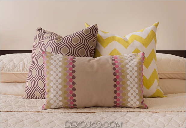cosy-manhattan-apartment-kombiniert-vintage-flare-modern-touches-10-pillows.jpg