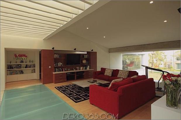 Geometrische-Haus-Freischwinger-Master-Suite mit Blick auf den Pool-10-Familie.JPG