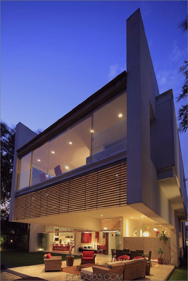 geometrisch-nach Hause freitragende Master-Suite mit Blick auf Pool-14-Terrasse.jpg