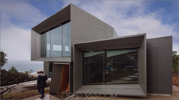 Geometrisches Strandhaus mit verzinktem Holzinterieur 1 thumb 630x353 11837 Geometrisches Strandhaus mit verzinktem Äußerem, Holzinterieur