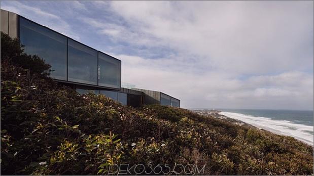 Geometrisches Strandhaus mit Zinkaußenseite aus Holz 2 thumb 630x353 11839 Geometrisches Strandhaus mit Zinkaußenseite, Holzinnenausstattung