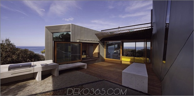 geometrisch-Strandhaus-mit-Zink-Exterieur-Holz-Interieur-5.jpg