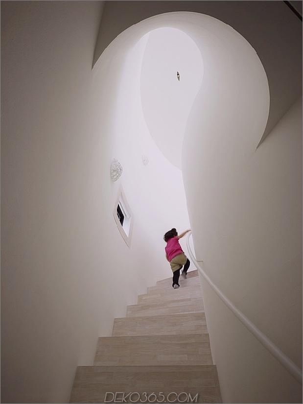 geräumig-oval-plan-hiroshima-home-use-light-creative-8-kurvige treppen.jpg