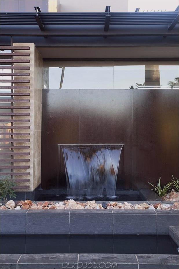 Glas-Stahl-Renovierung-mit-Schlafzimmer-Brücke-13-Front-Brunnen.jpg